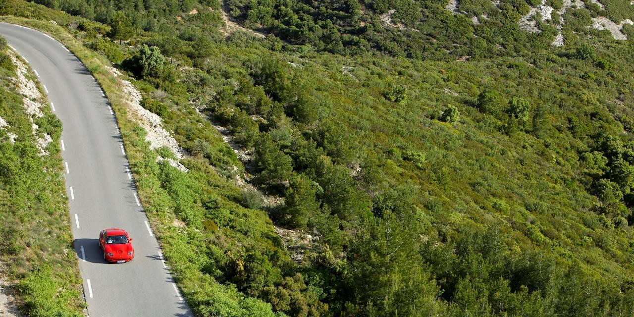 Ferrari sur les routes bolognaises - Italie