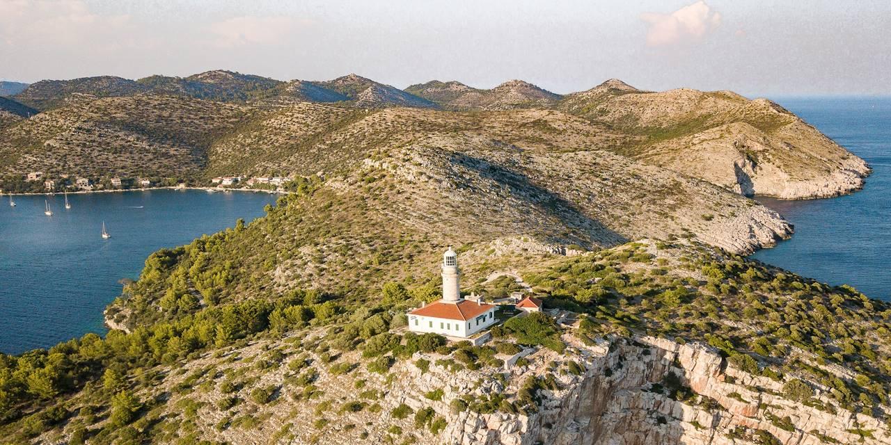 Phare de Struga sur l'île de Lastovo - Croatie
