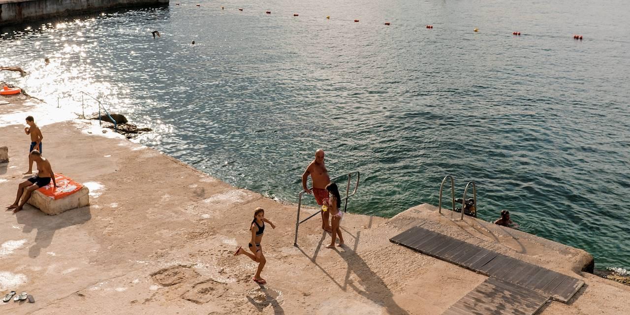 Baignade dans la mer en fin d'après midi - La Valette - Malte
