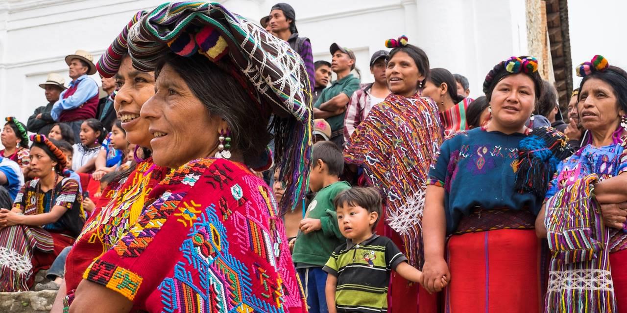 Femmes en costumes traditionnels - Guatemala