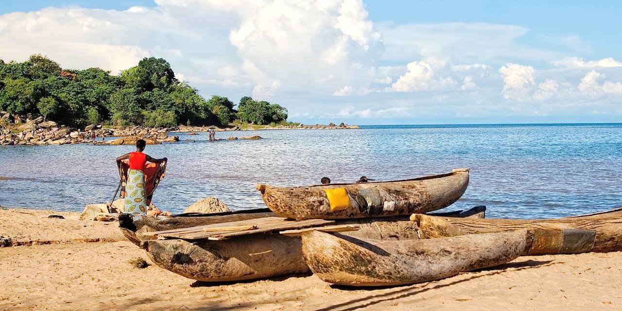 Scène de vie au bord du lac Malawi - Malawi