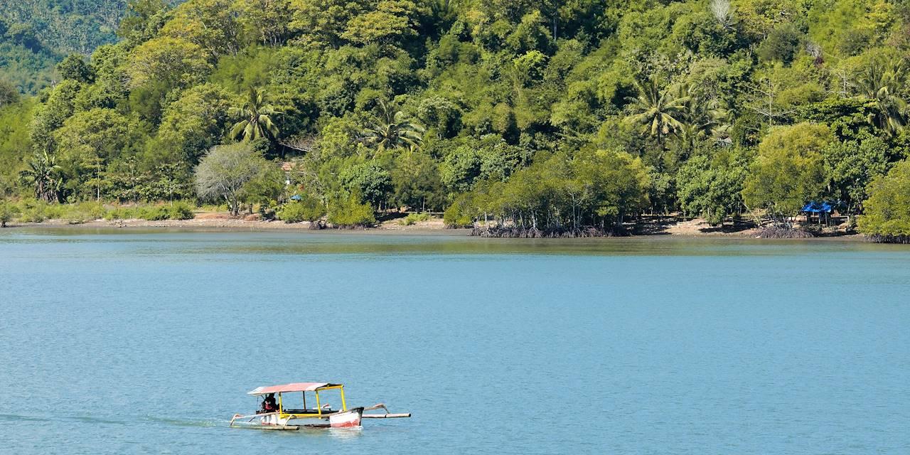 Baie de Lembar sur l'île de Lombok - Indonésie