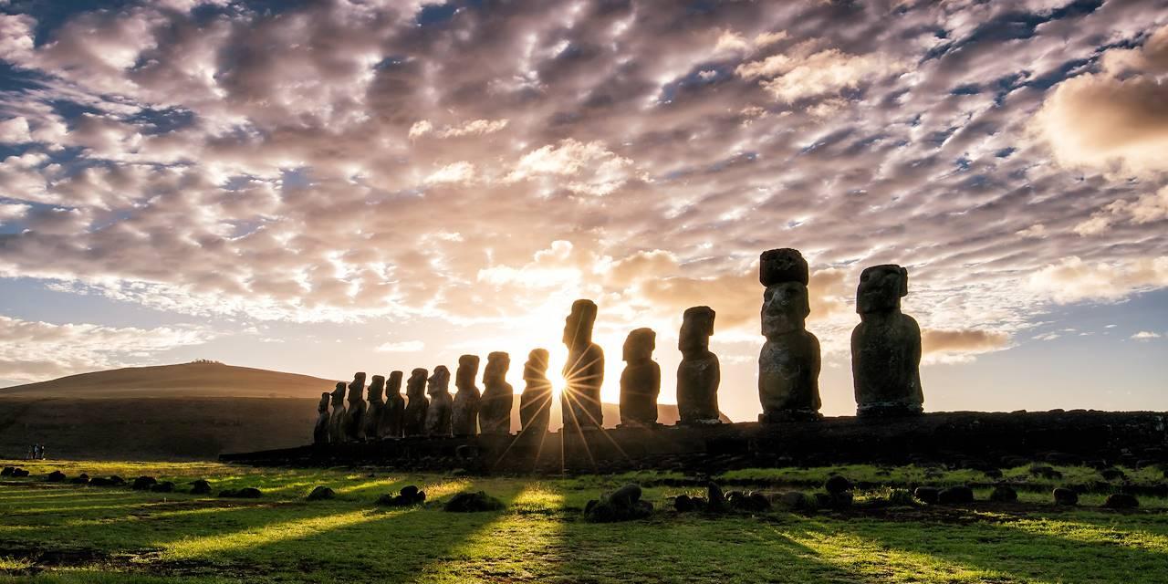 Moaïs sur l'île de Pâques - Chili