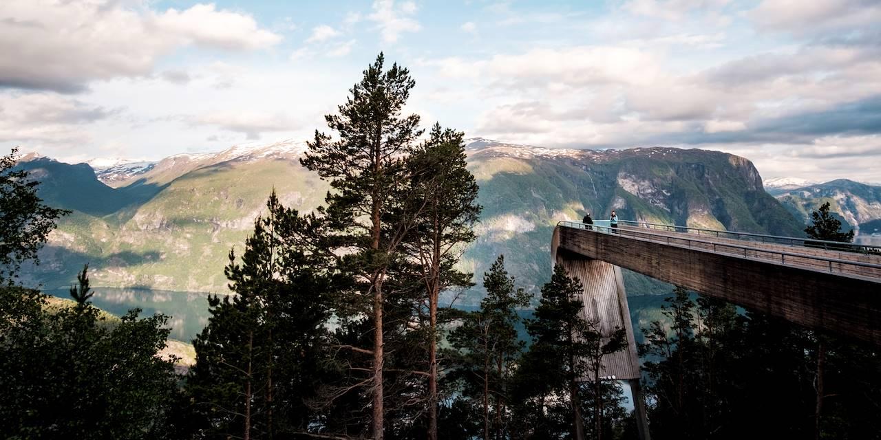 Stegastein, plateforme surplombant l'Aurlandsfjord - Norvège