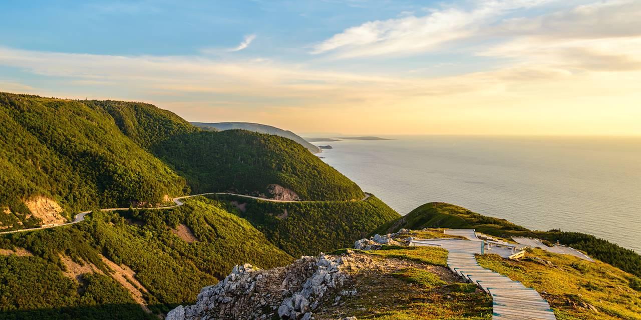 Coucher de soleil sur la Skyline Trail - Parc National des Hautes Terres du Cap Breton - Canada