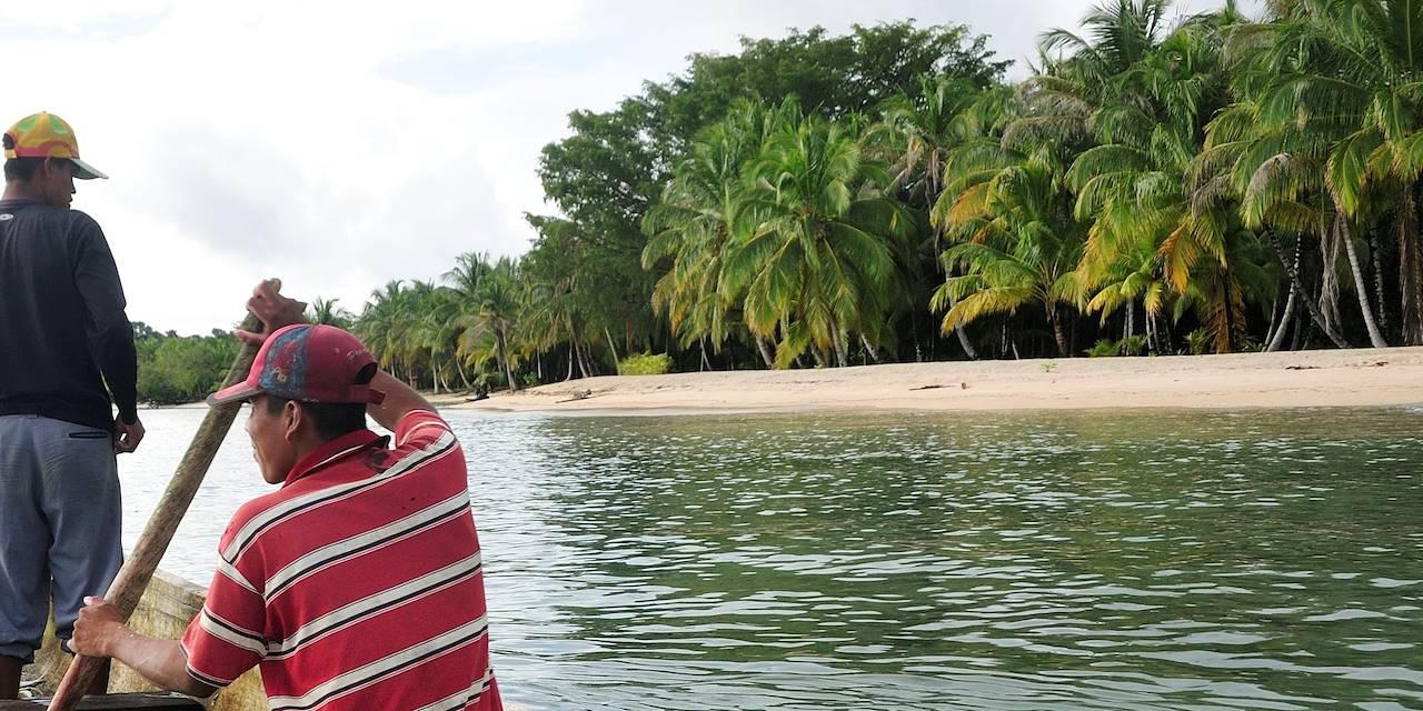 Pêcheurs près de l'île de Bastimentos - Bocas del Toro - Panama