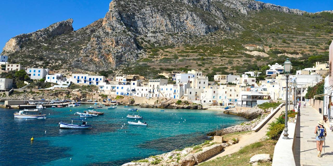 Cala Dogana sur l'île de Levanzo - îles Egades - Sicile - Italie
