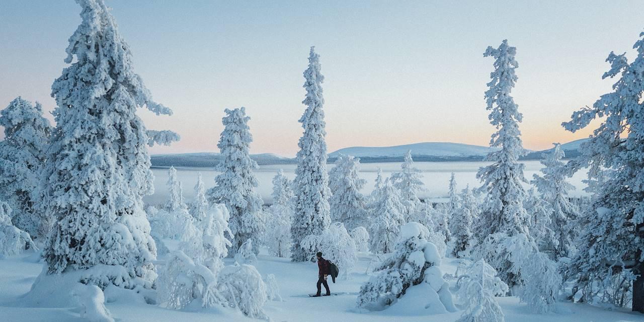 Randonnée en raquettes à proximité du lac Ylläsjärvi - Laponie - Finlande
